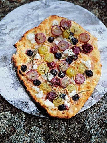 Детская пицца рецепт с виноградом
