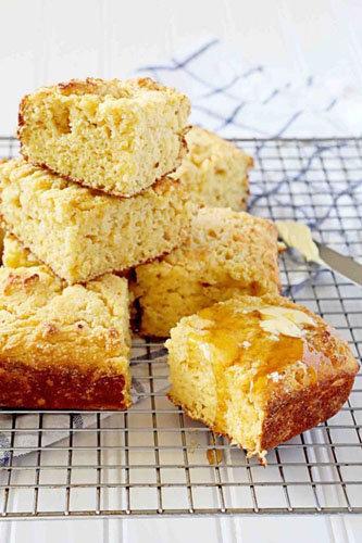 приготовить с детьми Кукурузный хлеб 3