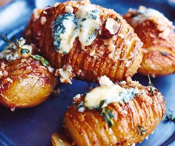 Запеченный картофель с сыром горгонзола
