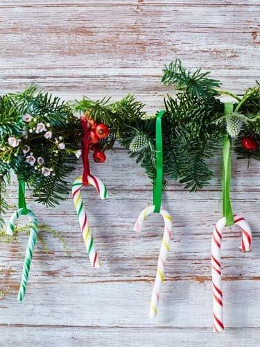 Сахарные посохи Деда Мороза