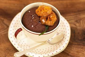 Шоколадный десерт в стаканчиках