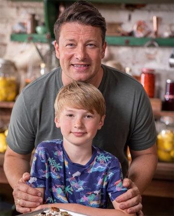 Джейми Оливер и его сын Бадди