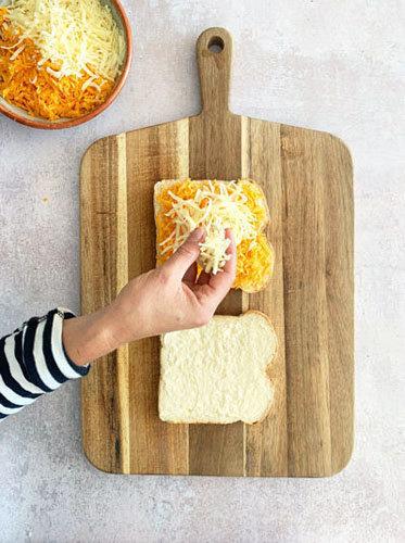 Как приготовить сырный тост на день Валентина 2