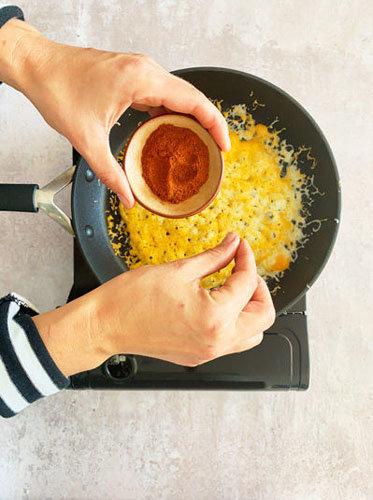 Как приготовить сырный тост на день Валентина 4