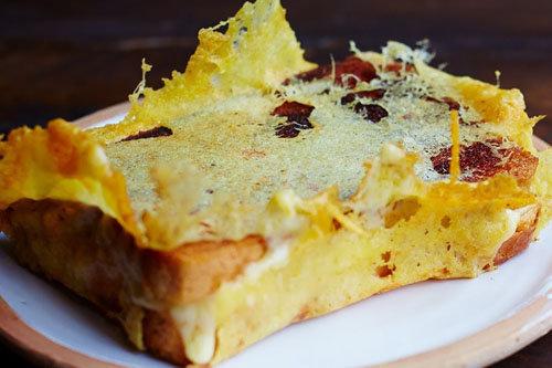 Как приготовить сырный тост на день Валентина