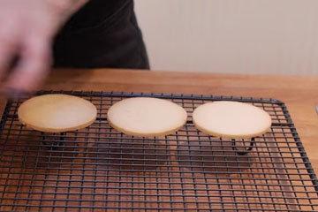 Печенье вырезать и испечь 3