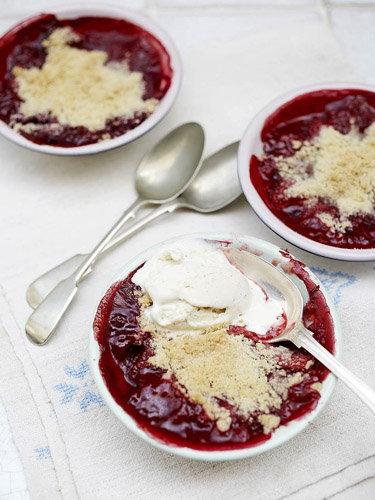 Десерт рецепт Крамбл с ягодами