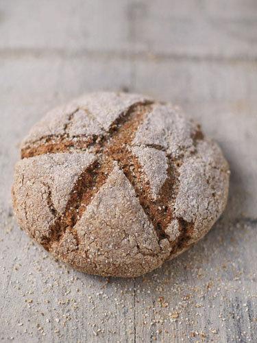 Ржаной бездрожжевой хлеб в духовке