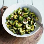 Бальзамический салат из огурцов с оливками 1
