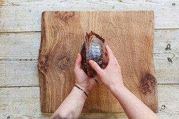КАК СДЕЛАТЬ шоколадное ЯЙЦО на Пасху 9