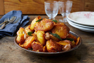 Как приготовить жареный картофель с шалфеем и апельсином