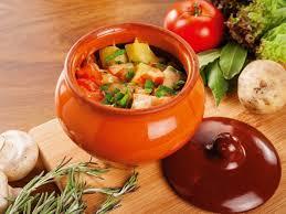 Какие блюда лучше всего получаются в горшочках для запекания?